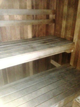 The Lighthouse Condominiums: Sauna at Lighthouse condos