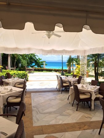 Luxury Bahia Principe Cayo Levantado Don Pablo Collection: In paradise as you eat every meal!