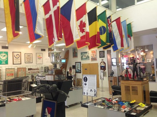 International Swimming Hall of Fame : Lots of clutter