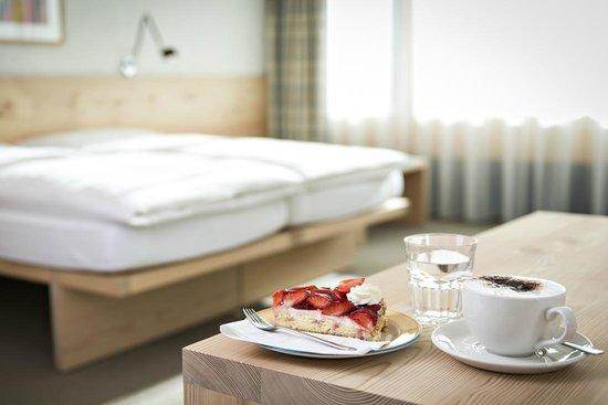 Hauser Hotel St. Moritz: room detail