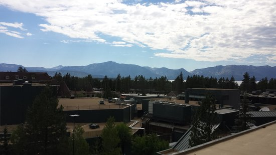 Harrah's Lake Tahoe : View of the California side