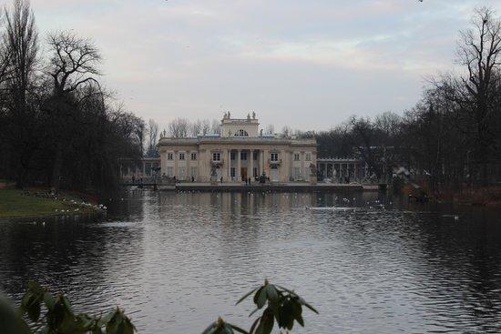 Chopin Monument: Paleis vlakbij het monument