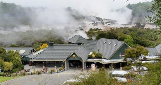 Wai-O-Tapu Thermal Wonderland: It isnt Jurassic Park