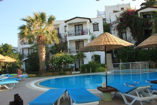 Sunny Garden Nilufer Hotel: Açık alanlar