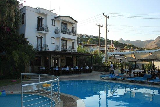 Sunny Garden Nilufer Hotel: Yemek alanı