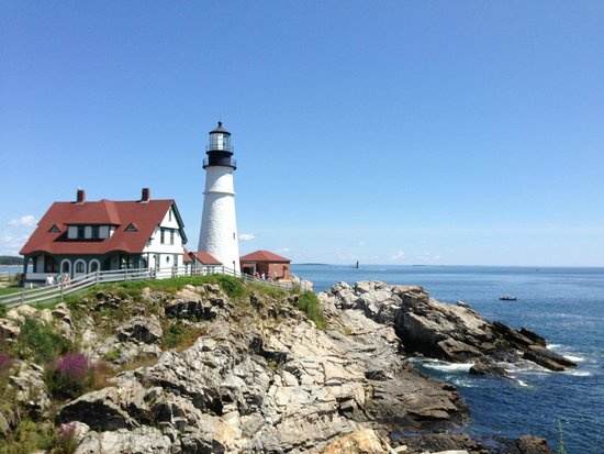 The Scenic Route Maine Tours : Portland Head Light