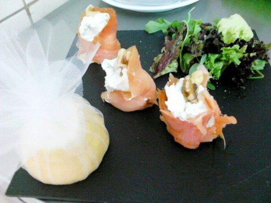 Nostos Restaurant: Salmon with cream cheese