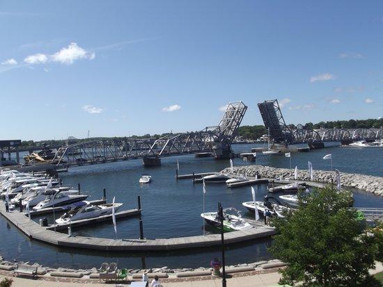 Stone Harbor Resort: Marina and Bridge