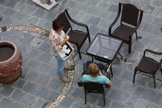 Led Line in addition Eden Online furthermore Bylinkovy Kvetinac Z Plastove Lahve in addition Gadis Ini Kongsi Pengalaman Trip Ke Yunnan China 8 Hari 7 Malam also Richard Rybnicek Bude Primatorom Aj Dalsie Styri Roky. on 97 dali ke