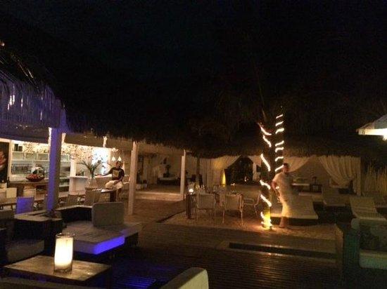 The Chili Beach Boutique Hotels & Resorts: Restaurante e suítes vista mar