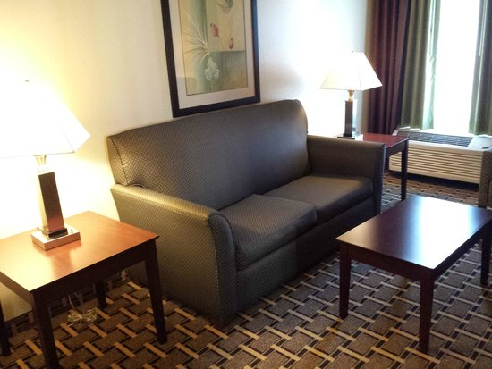 La Quinta Inn & Suites Lancaster: Couch opens to a  Very Uncomfortable Sofa Bed