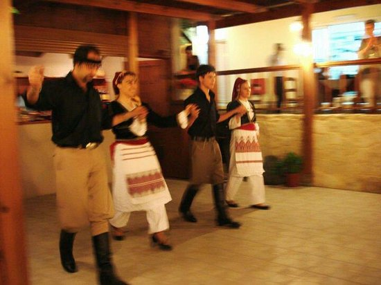Nostos Restaurant: Traditional dancers #nostos_restaurant