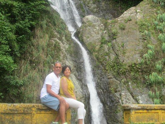 Hacienda Gripinas : Waterfall Dona Juana, a short distance from Gripinas