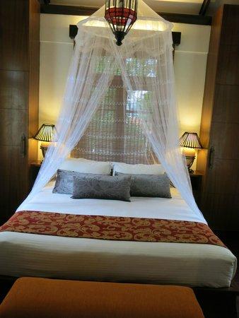 Sun Yi Villas: King size bed