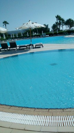 Baron Resort Sharm El Sheikh: The swimming pool with kids pool