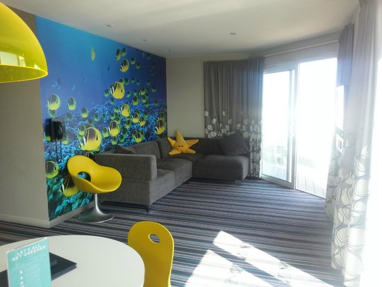 Wave Hotel & Apartments: Living area