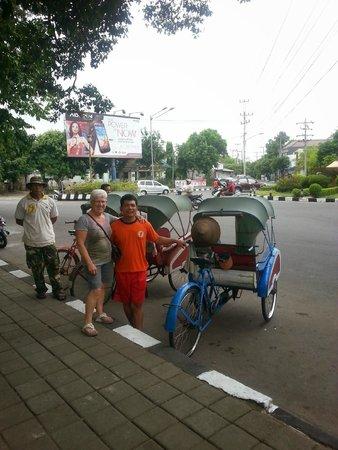 Sahid Jaya Solo: buiten het hotel altijd vervoer