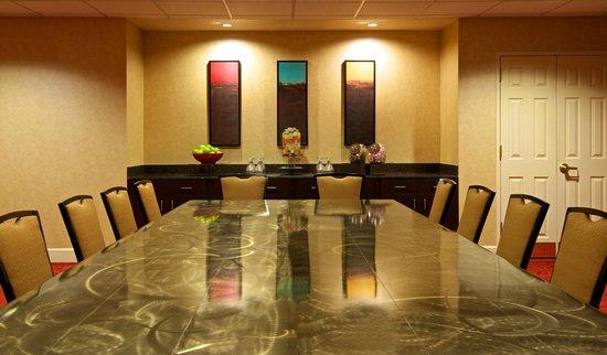 Residence Inn Phoenix Airport: Meeting Room