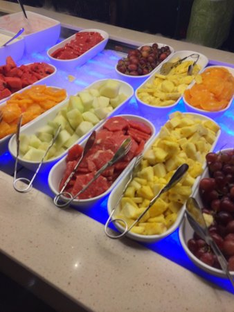 H10 Andalucia Plaza: Selection of fruit