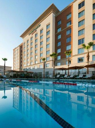 Courtyard Irvine Spectrum: 75-ft. Lap Pool