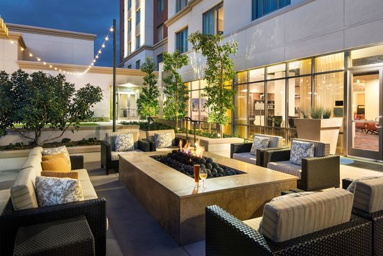 Courtyard Irvine Spectrum: Fire Pit