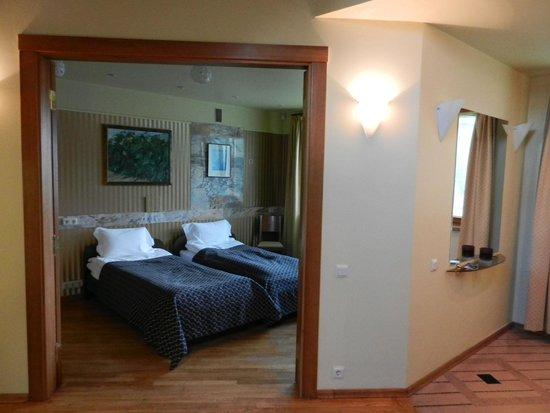 Best Western Santakos Hotel : Вторая спальня
