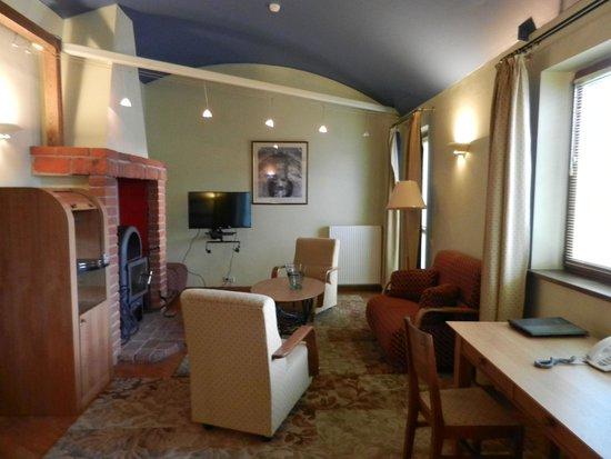 Best Western Santakos Hotel : Гостиная