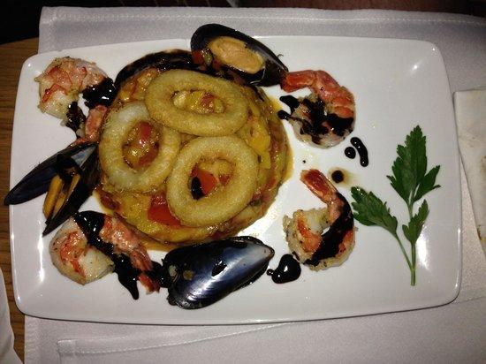 Best Western Santakos Hotel : Очень вкусная закуска из морепродуктов - в ресторане отеля