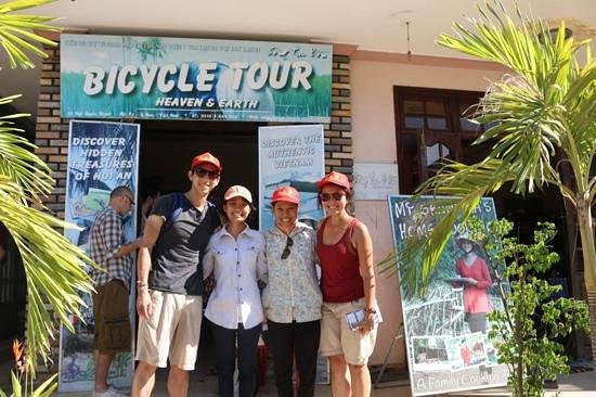 Heaven and Earth Bicycle Tours : the lovely guides
