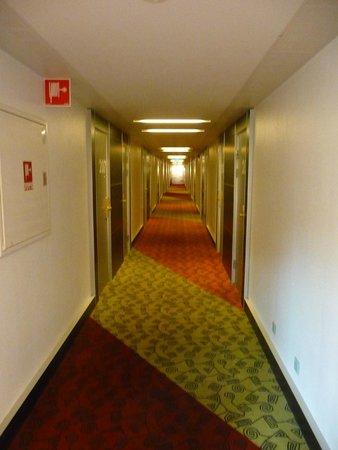 BEST WESTERN PLUS Kalmarsund Hotell : Couloir de l'hotel