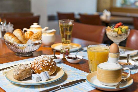 Hauser Hotel St. Moritz: Frühstück