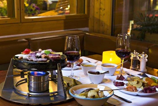 Hauser Hotel St. Moritz: Restaurant - Hauser Spezialität