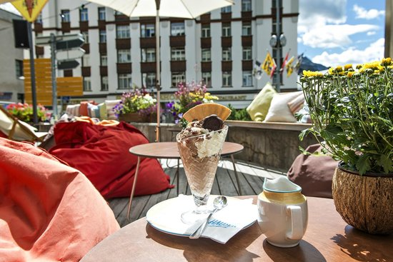 Hauser Hotel St. Moritz: Bar und Lounge