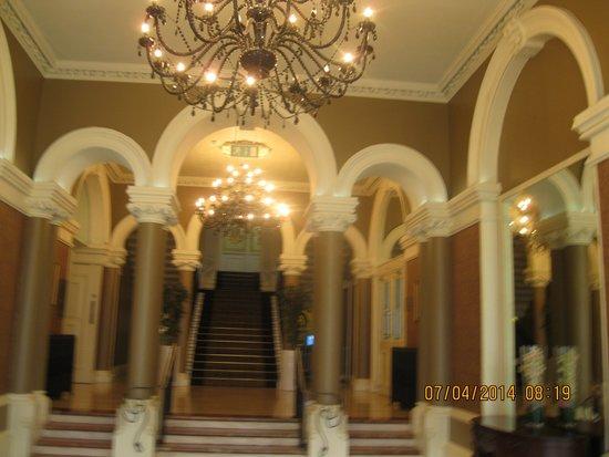 Royal Marine Hotel: Hotel Lobby