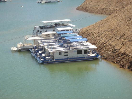 Lake Oroville State Recreation Area : Houseboats