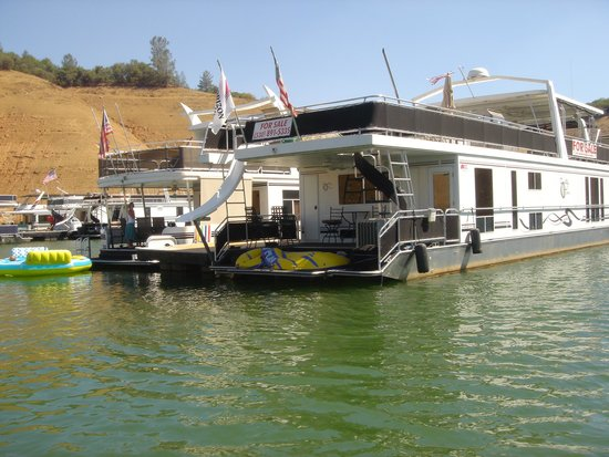 Lake Oroville State Recreation Area: Our houseboat