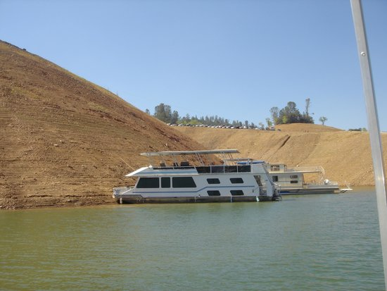 Lake Oroville State Recreation Area: comparison of water levels