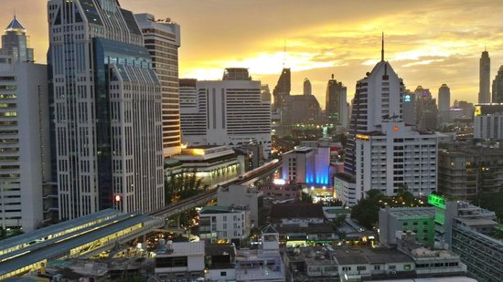 Grand Swiss Sukhumvit 11 by Compass Hospitality: view from the 180° Lounge