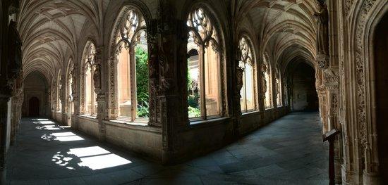 Monasterio de San Juan de los Reyes: claustro inferior
