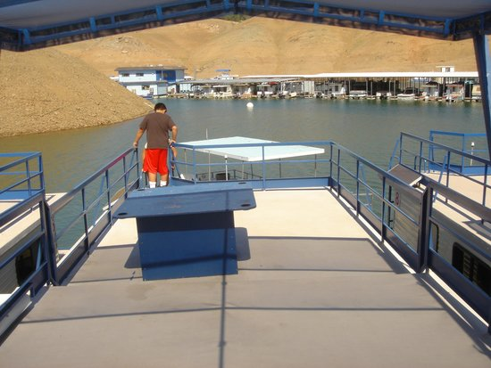 Lake Oroville State Recreation Area : topside