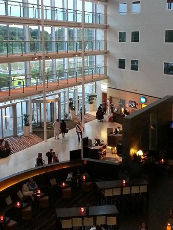 Radisson Blu Hotel London Stansted Airport : Foyer