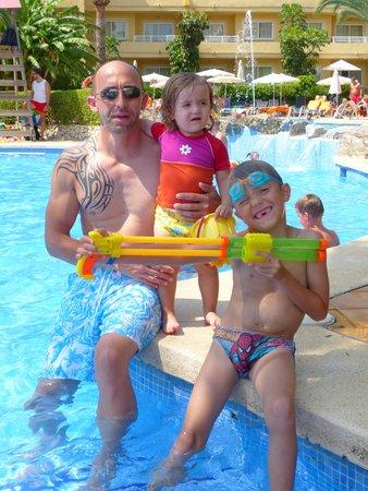 Viva Palmanova: Les joies de la piscine...