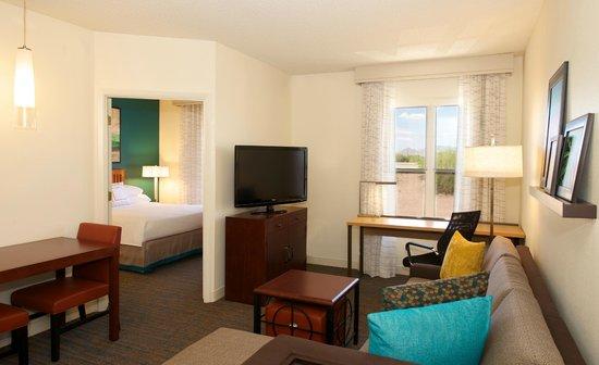 Residence Inn Phoenix Airport: One Bedroom Suite
