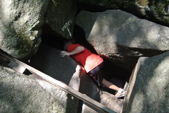 Lost River Gorge and Boulder Caves: Rocks to climb through