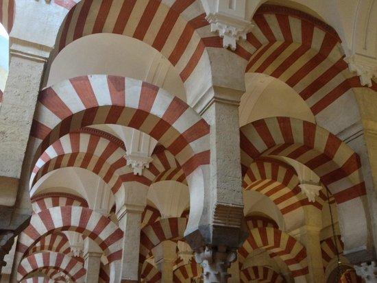 Mezquita-Catedral de Córdoba: Moorish Arches