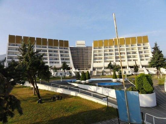 Khazar Parsian Azadi Hotel: Post modern style Hotel
