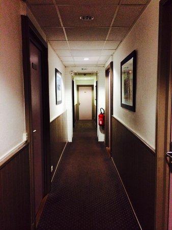 Hotel des Alpes: Corridoio