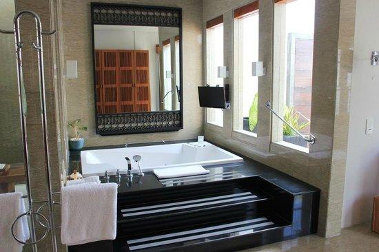 The Samaya Bali Seminyak : Jacuzzi de la villa