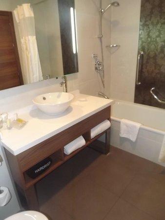 Apartamentos Turisticos La Castilleja: Salle de bains