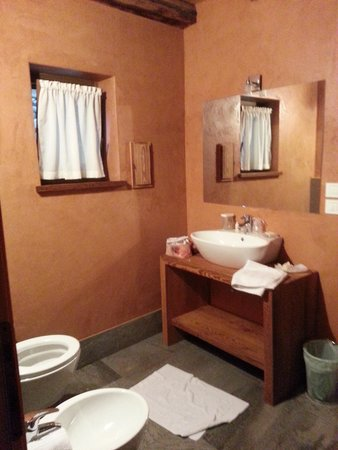 Le Petit Relais : bathroom